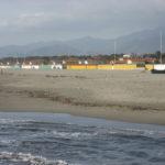 Der Strand von Forte Dei Marmi ausserhalb der Saison