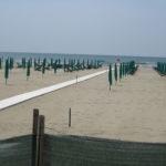 """Blick von """"Da Sergio"""" auf den Forte Dei Marmi Strand ( in der Vorsaison!!)"""