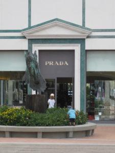 PRADA im Barberino Outlet Toskana