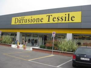 Das Max Mara Outlet Diffusione Tessile in der Emilia Romagna Italien