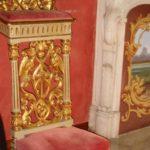 Schlosshotel Novello der Betstuhl in der Suite