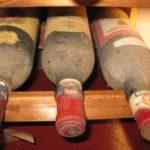 wertvolle alte Weine von 1975 aus dem Weinkeller vom La Grotto in Buti