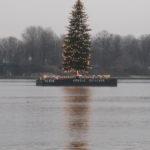 Hamburg im Dezember zu Weihnachten grau in grau