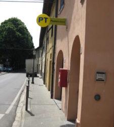 Italienische Post in der Toskana: ein ganz besonderer Brieftraeger in Vicopisano