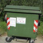 Muellcontainer in Vicopisano-italienische Muellmaenner in Deutschland geboren