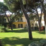 Gartenbereich des 5 Sterne Grand Hotels Il Tombolo in der Toskana am Meer