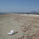 Strand Forte Dei Marmi vor Saisoneroeffnung im April